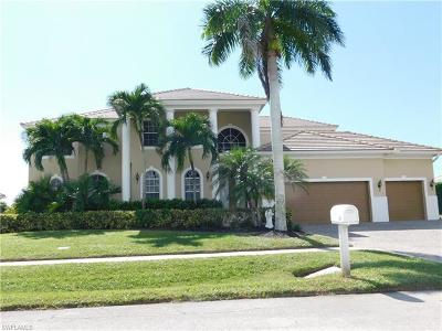 Marco Island Single Family Home For Sale: 334 Meadowlark Ct