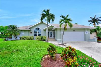 Marco Island Single Family Home For Sale: 1865 N Bahama Ave