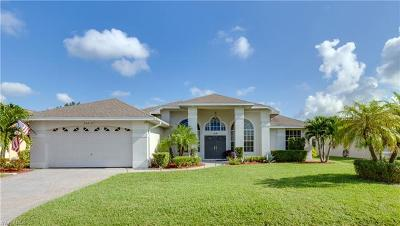 Estero Single Family Home For Sale: 22619 Island Lakes Dr