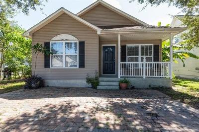 Naples Single Family Home For Sale: 186 Leawood Cir