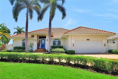 Marco Island Single Family Home For Sale: 1379 Bayport Ave