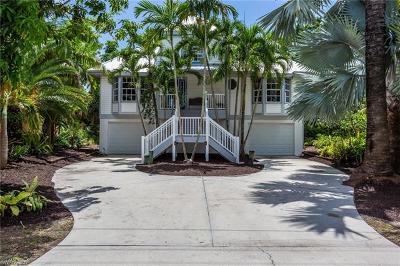 Fort Myers Beach Single Family Home For Sale: 11811 Isle Of Palms Dr