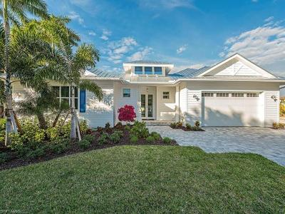 Naples Single Family Home For Sale: 2140 Curtis St