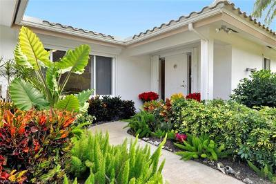 Naples Single Family Home For Sale: 722 Park Shore Ct