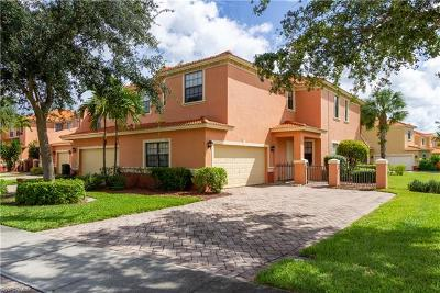 Naples Condo/Townhouse For Sale: 15512 Summit Place Cir