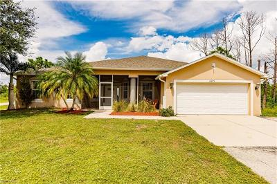 Naples Single Family Home For Sale: 2371 NE 54th Ave