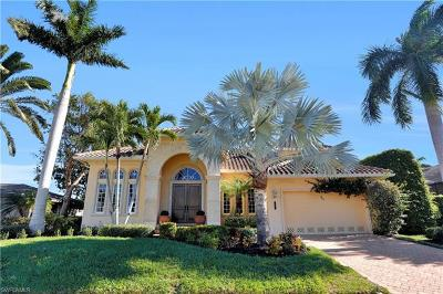 Marco Island Single Family Home For Sale: 207 Angler Ct