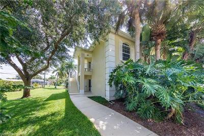 Naples Condo/Townhouse For Sale: 1260 Shady Rest Ln #104