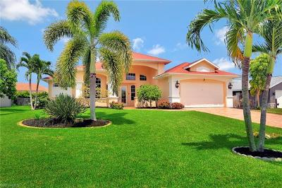 Cape Coral Single Family Home For Sale: 2111 SW 49th Ter
