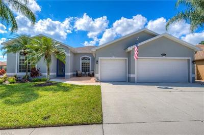 Naples Single Family Home For Sale: 8622 Pebblebrooke Dr