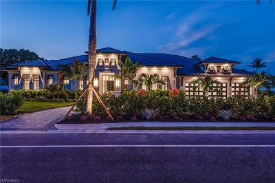 Naples Single Family Home For Sale: 615 Harbour Dr