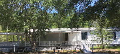 Navarre Single Family Home For Sale: 2740 Galleon Drive