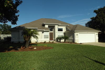 Navarre Single Family Home For Sale: 1932 Rue La Fontaine