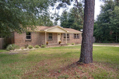 Gulf Breeze Single Family Home For Sale: 4572 Kelly Lane