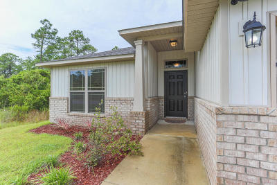 Navarre Single Family Home For Sale: 8450 Island Drive