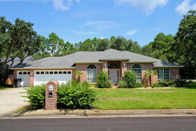 Gulf Breeze FL Single Family Home For Sale: $319,900