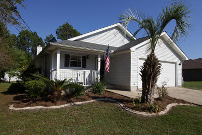 Navarre FL Single Family Home For Sale: $179,900