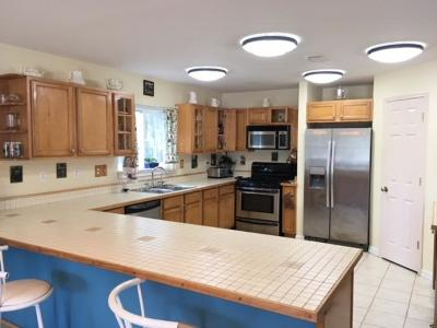 Gulf Breeze Single Family Home For Sale: 1355 Harvard Drive