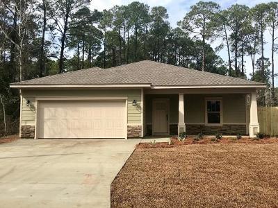 Navarre FL Single Family Home For Sale: $224,500