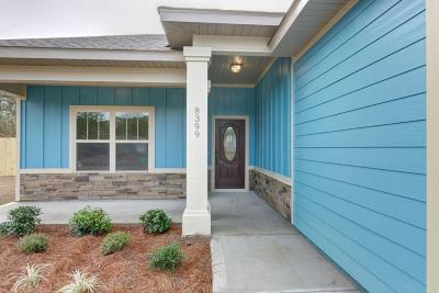 Navarre Single Family Home For Sale: 1939 Prado Street
