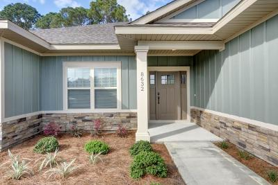 Navarre Single Family Home For Sale: 9064 Sunset Drive