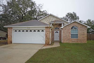 Gulf Breeze Single Family Home For Sale: 1372 Harvard Drive