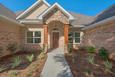 Gulf Breeze Single Family Home For Sale: 5140 Sandy Shores Drive