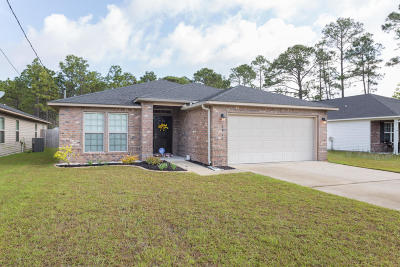 Navarre FL Single Family Home For Sale: $235,000