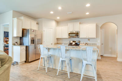 Gulf Breeze Single Family Home For Sale: 1704 Brantley Drive