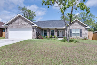 Navarre Single Family Home For Sale: 8442 Holley Hills Circle