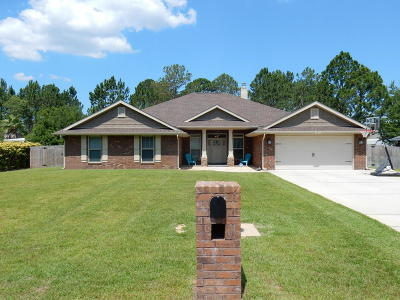 Navarre Single Family Home For Sale: 2411 Tumbleweed Drive