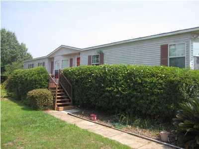 Navarre FL Single Family Home For Sale: $85,000