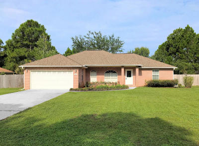 Navarre FL Single Family Home For Sale: $215,000