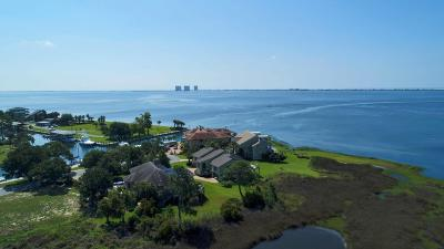 Gulf Breeze Single Family Home For Sale: 820 Silver Strand Court