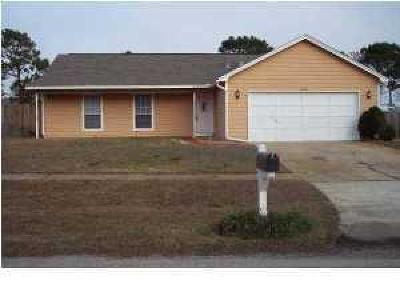 Navarre FL Single Family Home For Sale: $154,900