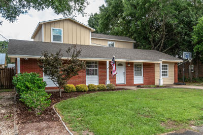 Okaloosa County Single Family Home For Sale: 405 Paradise Road