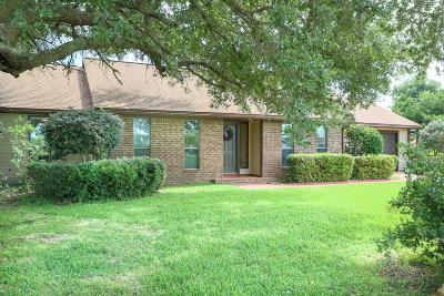 Gulf Breeze Single Family Home For Sale: 1204 Bayview Lane