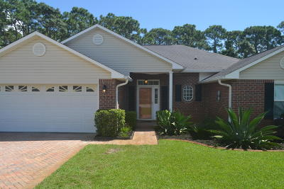 Navarre FL Single Family Home For Sale: $259,900