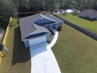Gulf Breeze Single Family Home For Sale: 6449 E Bay Boulevard
