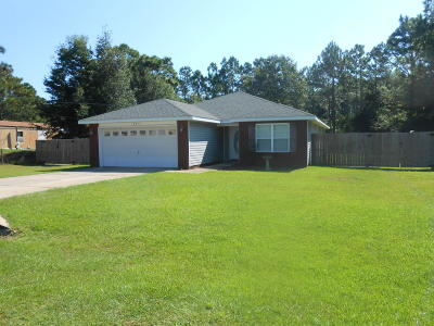 Navarre Single Family Home For Sale: 2400 Frontera Street