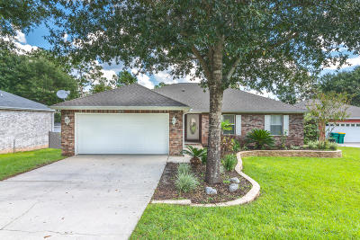 Okaloosa County Single Family Home For Sale: 6474 Moonlight Lane