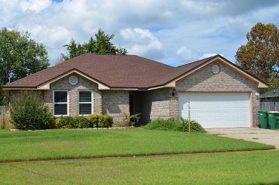Navarre FL Single Family Home For Sale: $209,500