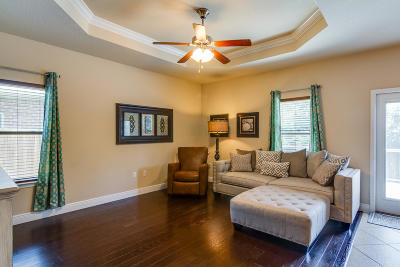 Gulf Breeze Single Family Home For Sale: 1806 Coast Court