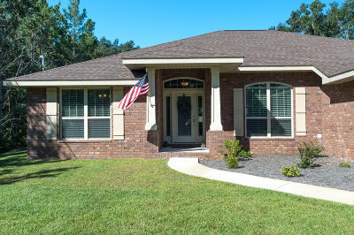 Navarre Single Family Home For Sale: 3111 Hickory Street