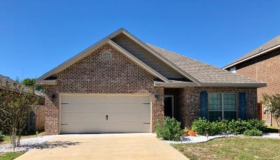 Gulf Breeze Single Family Home For Sale: 1727 Brantley Drive