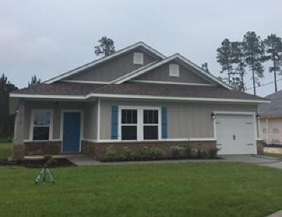 Gulf Breeze Single Family Home For Sale: 5619 Charter Circle