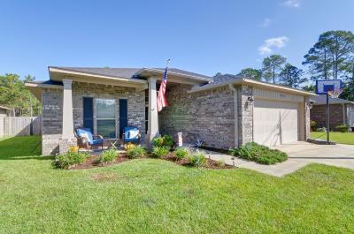 Navarre Single Family Home For Sale: 8936 Quail Roost Drive