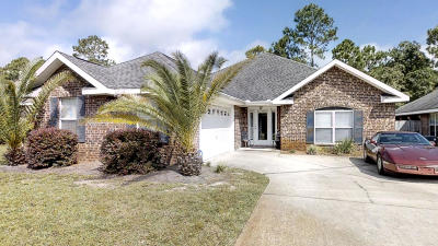 Gulf Breeze Single Family Home For Sale: 6416 Old Harbor Court