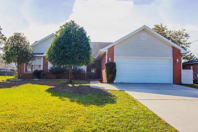 Gulf Breeze Single Family Home For Sale: 6417 Garden Drive