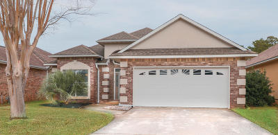 Gulf Breeze Single Family Home For Sale: 4138 Oak Pointe Drive